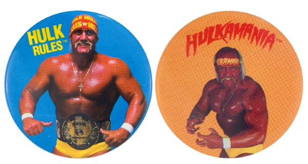 HULK HOGAN PAIR OF 1988 AND 1989 FULL COLOR BUTTONS.