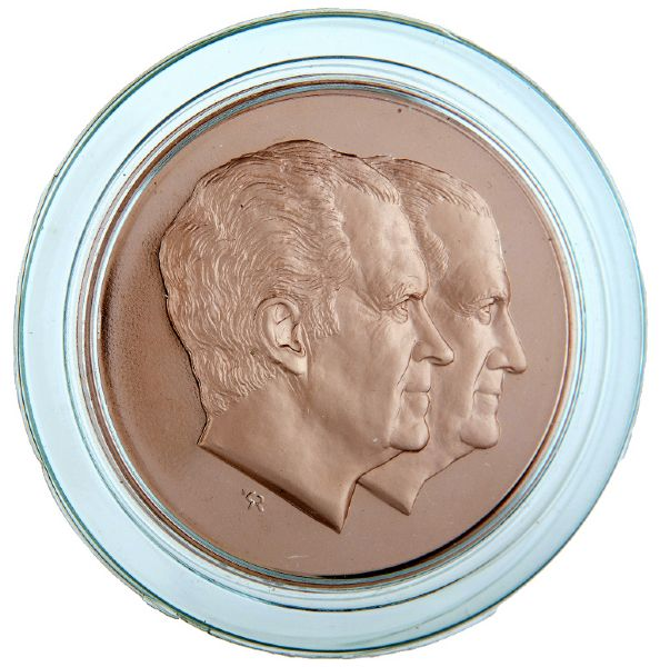NIXON 1973 SOLID BRONZE PROOF EDITION INAUGURAL MEDAL BOXED AS ISSUED.