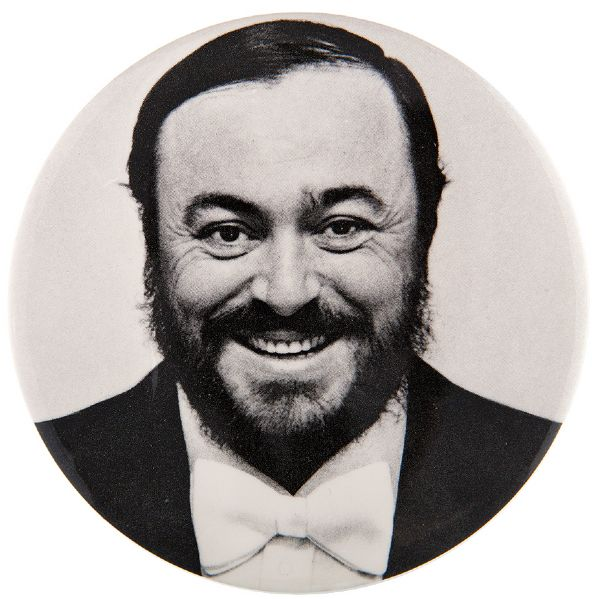 LUCIANO PAVAROTTI LARGE PORTRAIT RARE BUTTON.